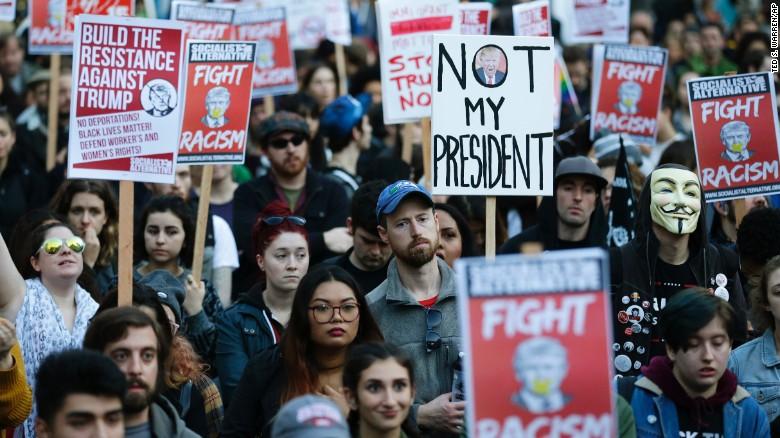 موجی از تظاهرات و خشم علیه ترامپ در سراسر آمریکا+ تصاویر
