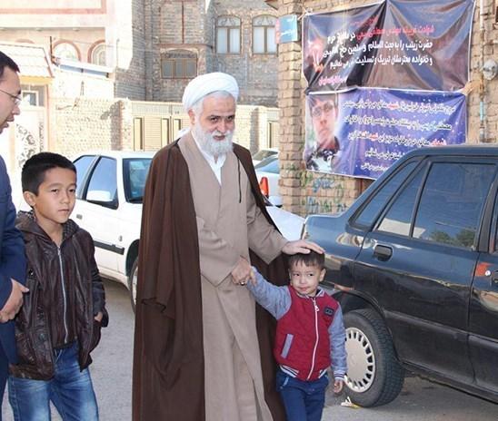 روایت محمدیان از دیدار با خانواده دانشجوی شهید فاطمیون+ تصاویر