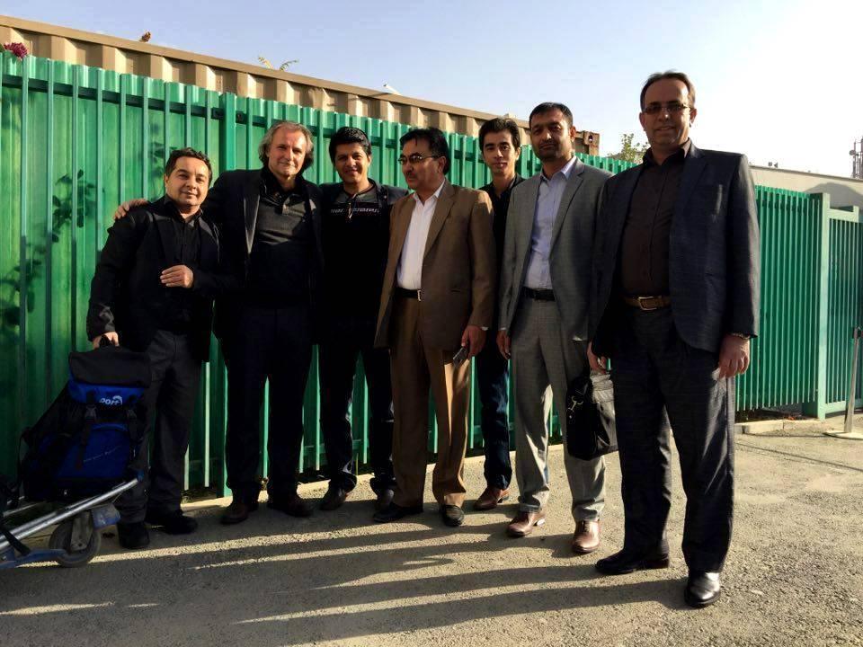عکس یادگاری  شگرت هنگام خروج از افغانستان