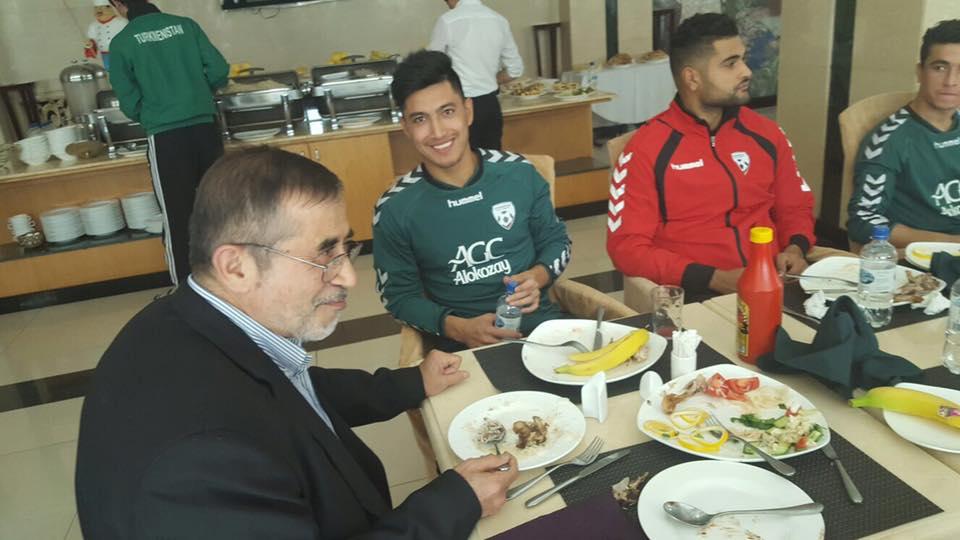 اعضای کلیدی فدراسیون فوتبال در اردوی تاجیکستان +عکس