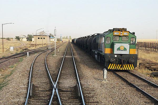استقرار قطارهای مسافری در زمان پیک بازگشت زائران اربعین