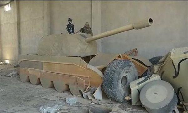 استفاده داعش از تانکهای چوبی