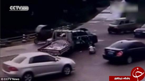 تصمیمگیری سریع جان این راننده را نجات داد +تصاویر