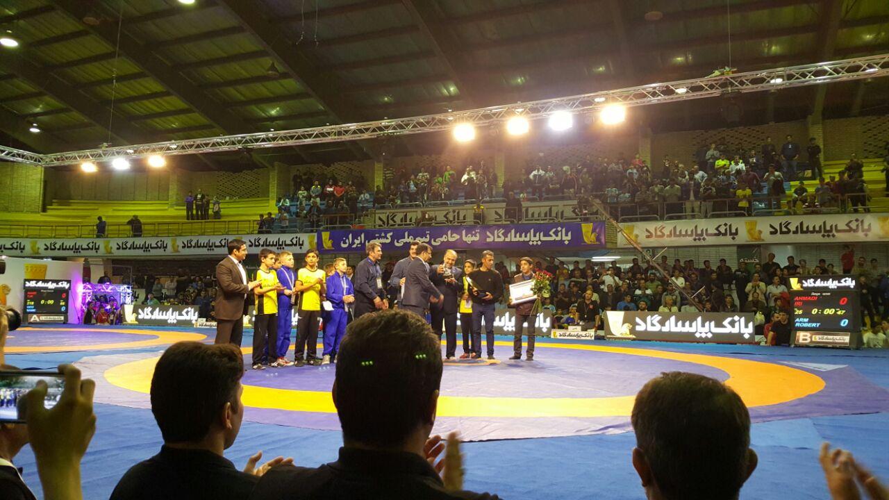 تیم ایران A روی سکوی نخست در مسابقات کشتی آزاد