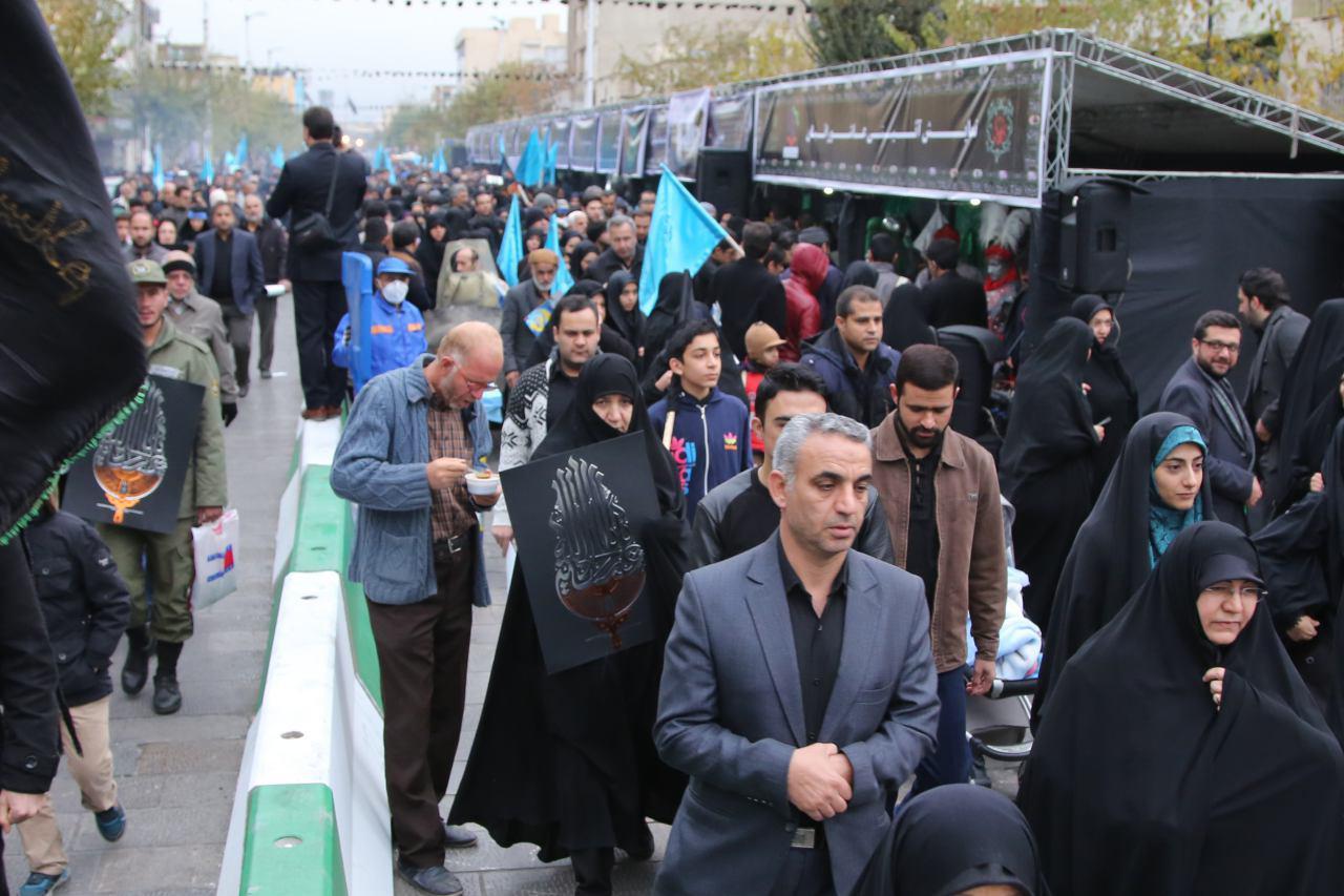 راستگو در پیادهروی اربعین حسینی+تصاویر