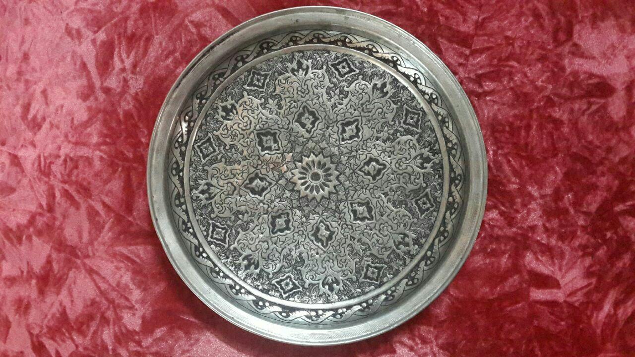باشگاه خبرنگاران -برگزاری نمایشگاه صنایع دستی ملایر در موزه دفاع مقدس