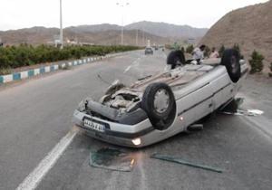 باشگاه خبرنگاران -واژگونی پژو پارس در برخورد با خودروی تندر/ حادثه تلفات جانی نداشت