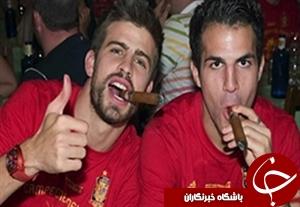 شکار ستارگان فوتبال در حین استعمال دخانیات + فیلم