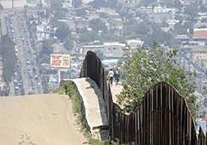 تلاش ترامپ برای احداث دیوار مرزی با a href=