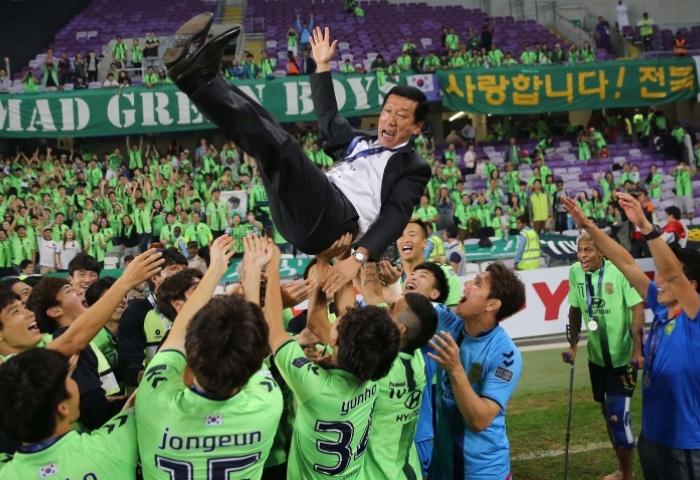 لحظه به لحظه با مراسم برترین های فوتبال آسیا + تصاویر