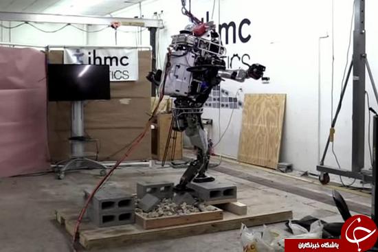 این ربات به راحتی روی صخرهها راه میرود +تصاویر