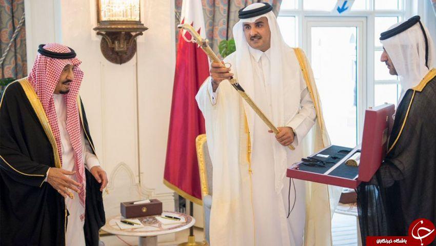 اعطای شمشیر بنیانگذار قطر به ملک سلمان + تصاویر