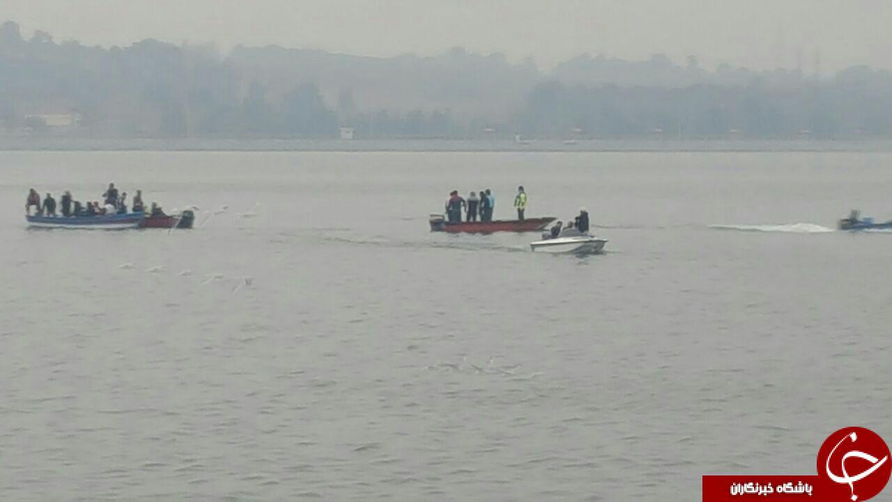 سقوط بالگرد امداد در دریاچه چیتگر , سقوط بالگرد امداد , سقوط بالگرد امداد در دریاچه خلیج فارس , تصاویر سقوط بالگرد