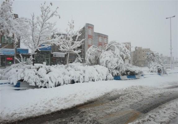 باشگاه خبرنگاران - 100 روستای ورزقان در محاصره برف و کولاک