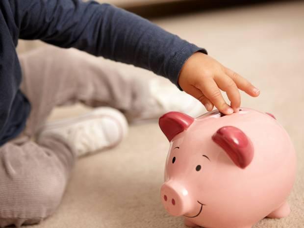 ظهور پدیده ای به نام «خود عابربانک پنداری» در جوانان/ پدر یا عابر بانک؟