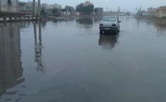 باشگاه خبرنگاران - خیابانی در اهواز تبدیل به دریاچه شد! + فیلم