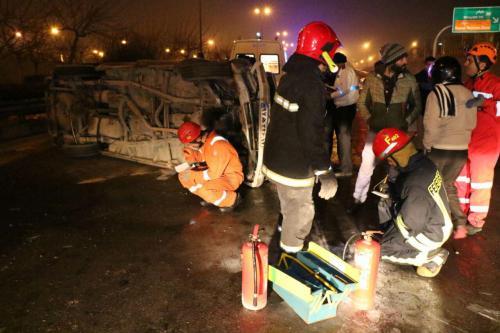 واژگونی خودرو در صد متری مشهد سه مصدوم بر جای گذاشت