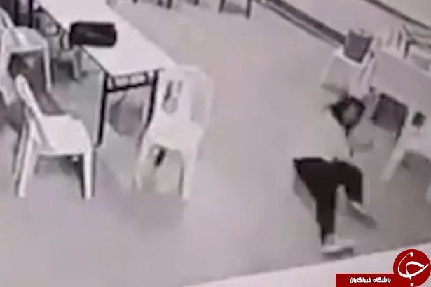 حمله شبح به یک زن در لابی هتل+ فیلم