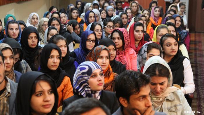 زنان افغانستانی میتوانند برای ساختن جامعه افغانستان برنامهساز باشند