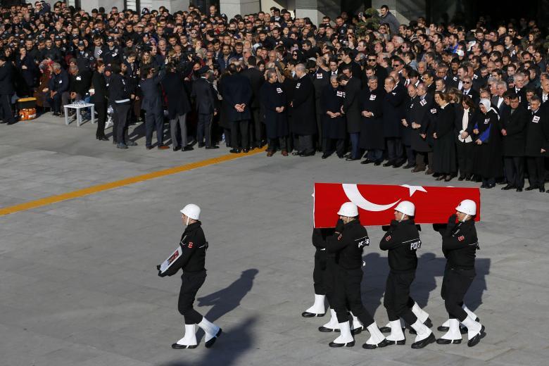افزایش تعداد کشتههای انفجارهای استانبول/دستگیری 120 مظنون