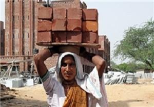 اوضاع اسفناک کارگران خارجی در عربستان/ سرگردانی جسد 150 کارگر هندی پس از یک سال