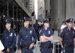 بازداشتی مردی مسلح به سلاح سرد در ورودی برج ترامپ