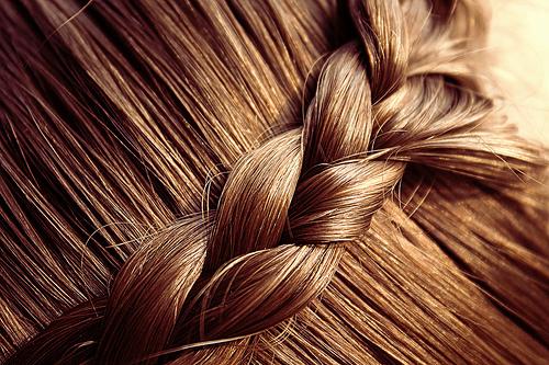 این شگردهای خانگی موهایتان را سریع تا کف پایتان بلند میکند+دستورالعمل