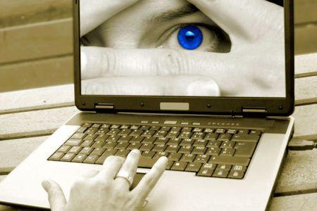 وقتی حریم خصوصی اشخاص در فضای مجازی قربانی میشود/چه باید کرد؟