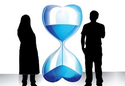نگاهی به تبعات زیان بار تاخیر در ازدواج میان آقایان و خانم ها/ کدام یک بیشتر آسیب میبینند؟