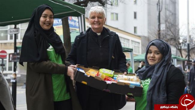 کمک مسلمانان لندن به بی خانمان های این شهر+تصاویر