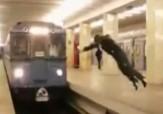 باشگاه خبرنگاران - حرکت احمقانه یک پسر در ایستگاه مترو + فیلم
