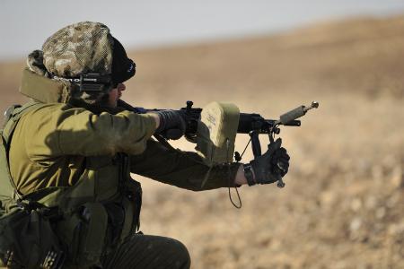 تیپ گولانی؛ وحشیترین نیروهای ارتش اسرائیل در راه کمک به تکفیریها + تصاویر