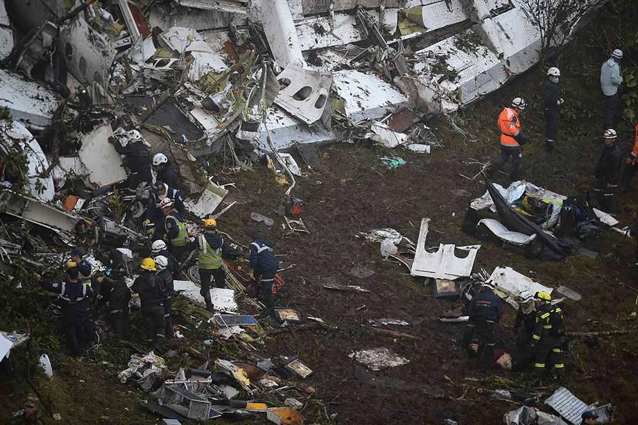 سقوط هواپیمای بازیکنان تیم برزیل/مدافع سابق صبای قم در فهرست قربانیان+عکس و فیلم