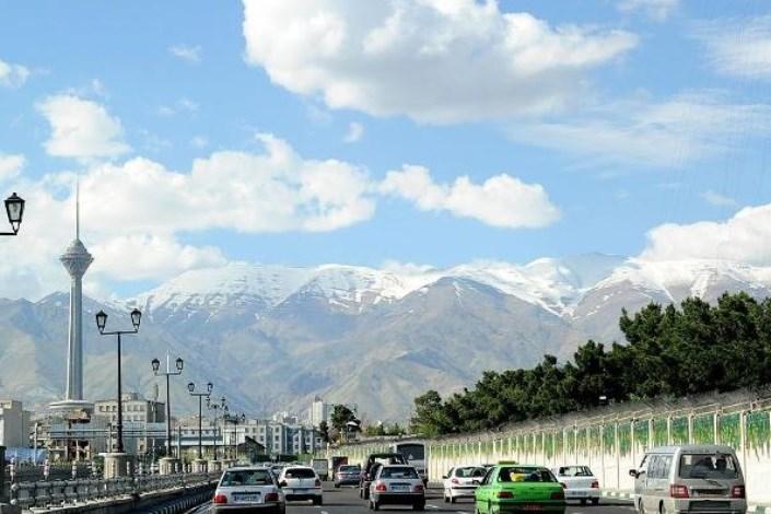 هوای تهران در وضعیت پاک است
