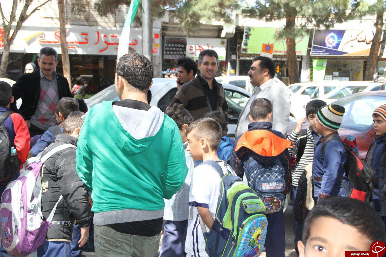 خروج دانشجویان و دانش آموزان به دلیل وقوع زلزله + تصاویر