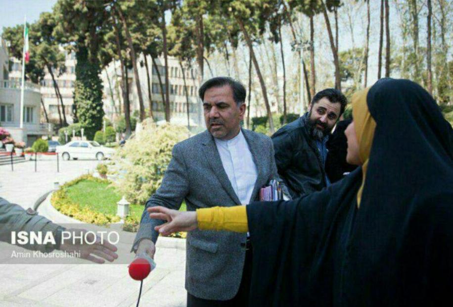 ماجرای برخورد عجیب وزیر راه با خبرنگار باشگاه خبرنگاران جوان + تصاویر