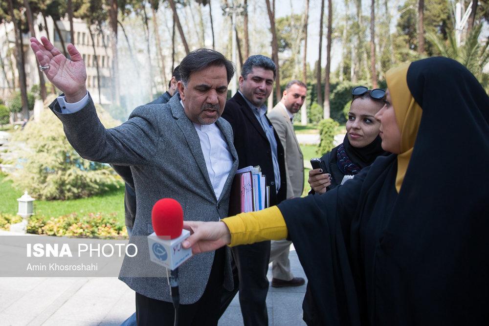 تمام واکنش ها در فضای مجازی به برخورد عجیب وزیر راه با خبرنگار باشگاه خبرنگاران جوان + فیلم