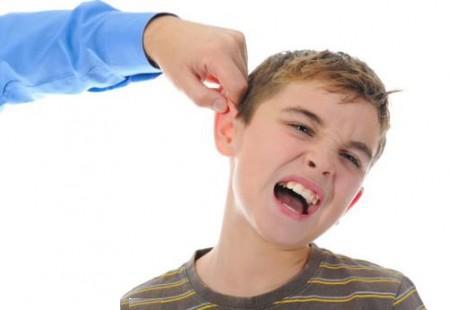 براي تربيت کودک از تنبيه بدني استفاده نکنيد