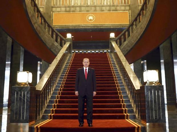 تلویزیون فرانسه: سلطان ترکیه همیشه دغدغه احیای امپراتوری عثمانی را دارد