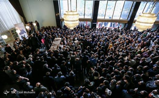 کدام هنرمندان به مراسم تشییع عارف لرستانی رفتند؟