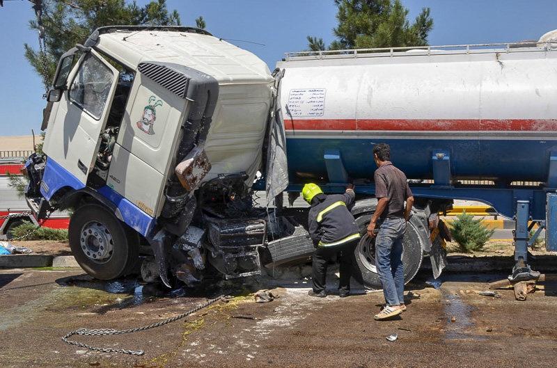 جدیدترین اخبار از حوادث جاده ای کشور/خواب آلودگی قربانی گرفت