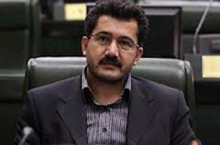 احمدینژاد و افراد نزدیک به او جریانی خطرناک هستند