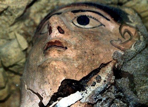 کشف ۶ مومیایی در قبرستان ۳۵۰۰ ساله