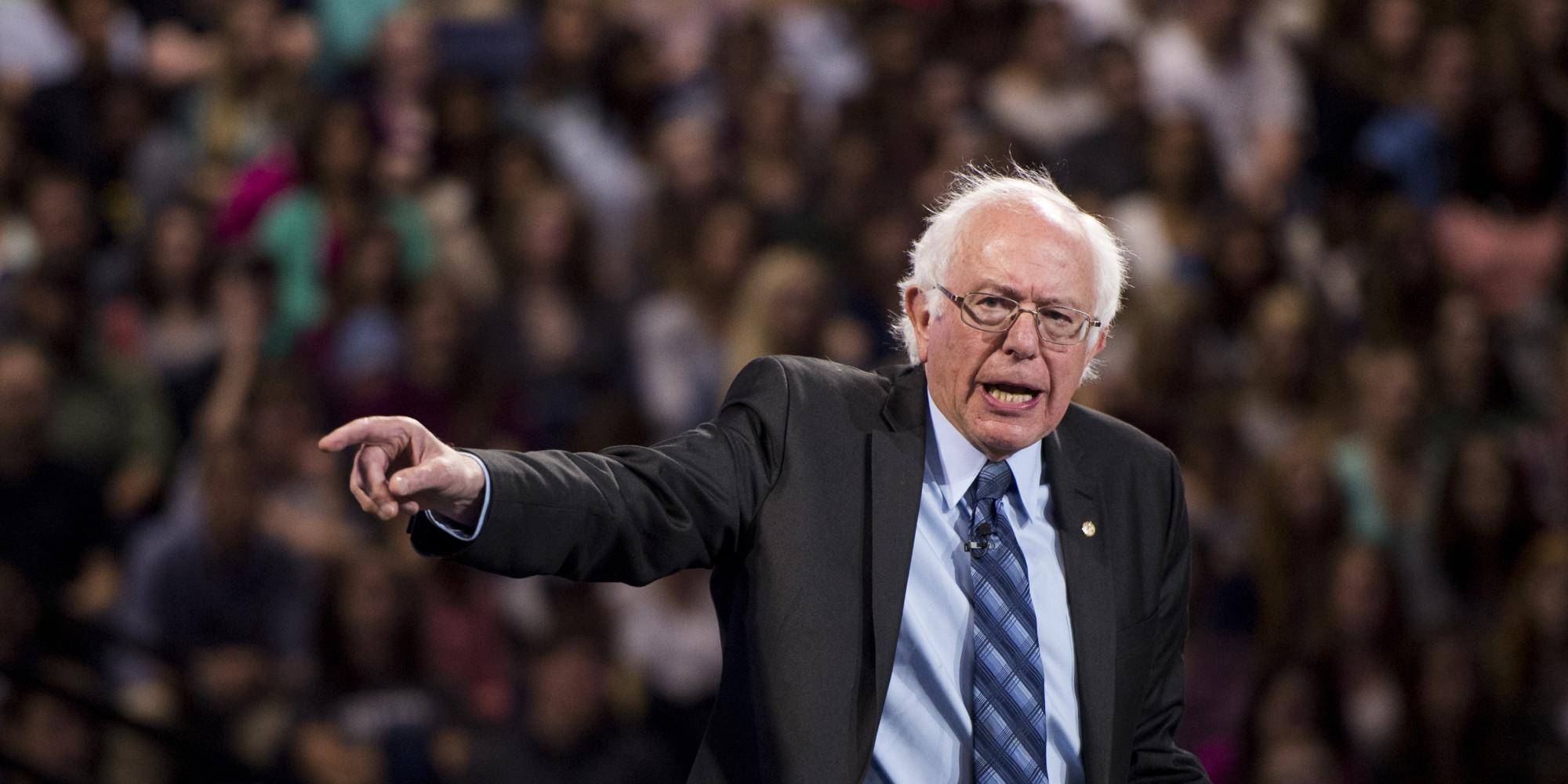 نظرسنجی هیل: برنی سندرز محبوبترین سیاستمدار فعال آمریکا است