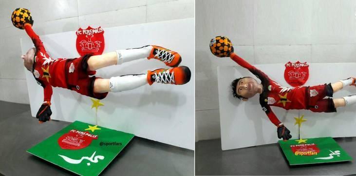 ویرایش /کیک 100 کیلویی برای جشن قهرمانی پرسپولیس