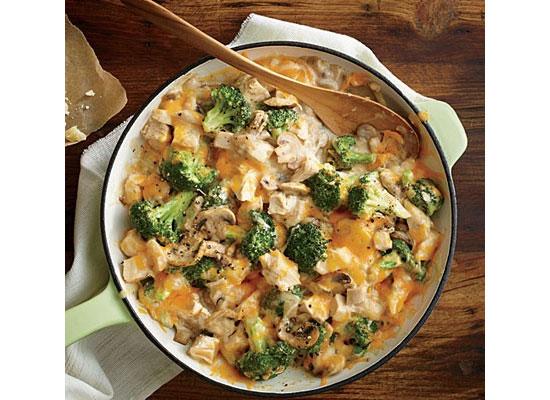 غذای کم کالری؛ خوراک مرغ خامهای و بروکلی