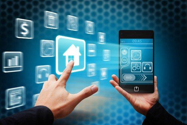بررسی گستره فناوری دیجیتال در عصر کنونی و پیامدهای آن