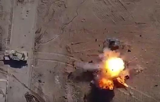 لحظه انفجار مخفیگاههای داعش توسط پهپادهای عراقی