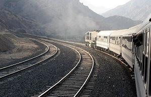 عمليات ريل گذاری راه آهن در سه جبهه در حال انجام است
