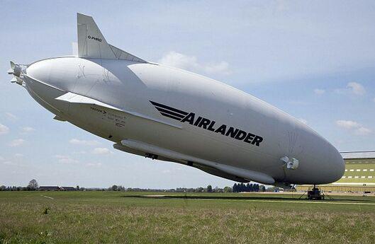 بزرگترین هواپیمای جهان، در انگلیس سقوط کرد
